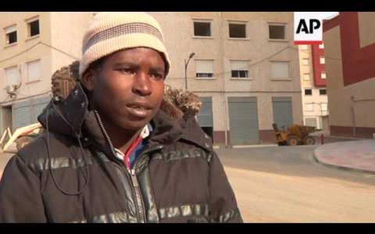 Thousands of sub-Saharan migrants flee to Algeria