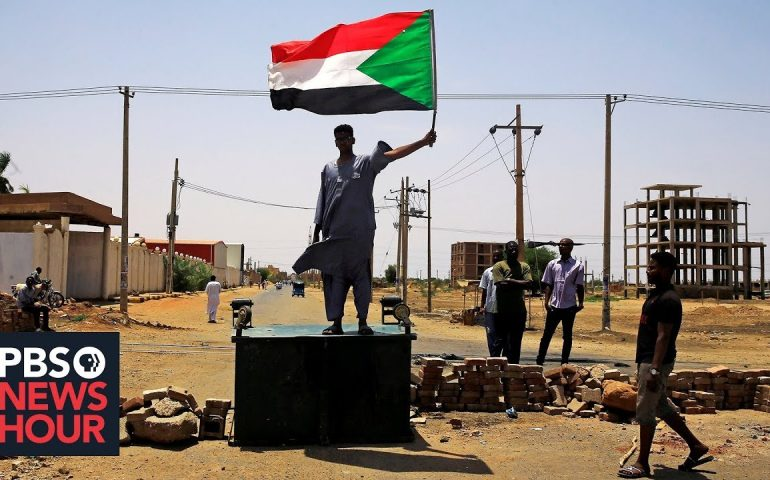 News Wrap: Sudan protesters killed in clash with security forces