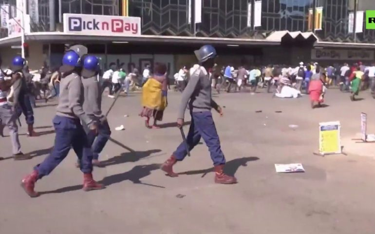 Protest in Zimbabwe gets violent as police clash with demonstrators