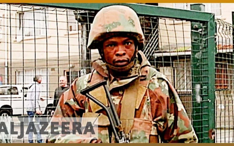 South Africa violence: Army deployment in Cape Town extended