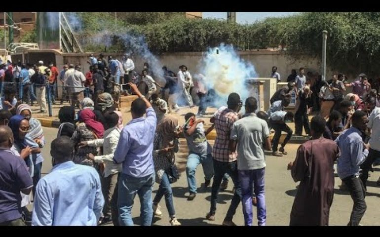 Sudan protesters reach army HQ, clash with security forces
